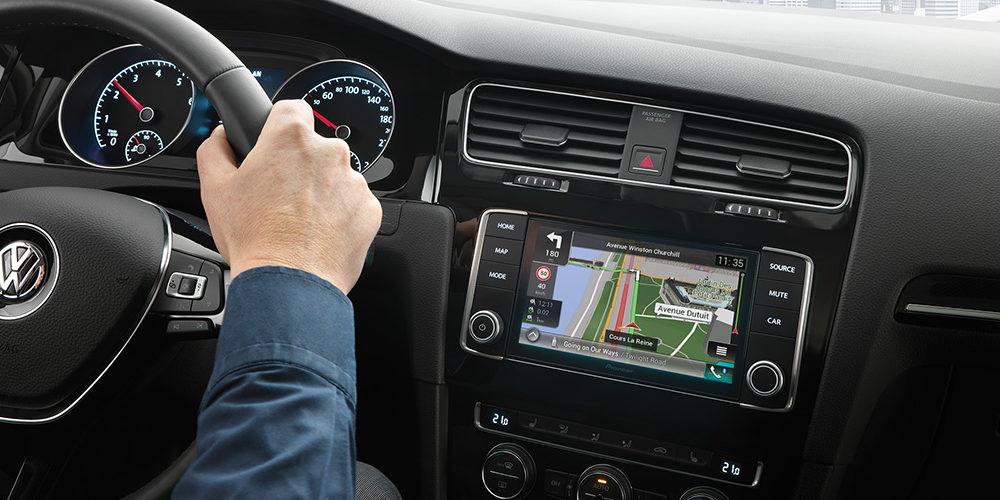 Nawigacja GPS jako fundamentalny dodatek dla kierowców